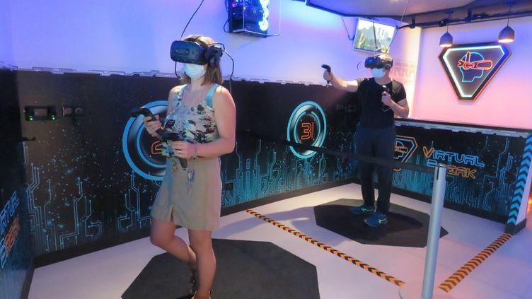 Le métavers permettra d'étendre l'usage de la réalité virtuelle (photo d'illustration). (SOPHIE BORDIER / MAXPPP)