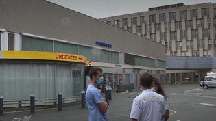 Les 26 urgentistes de l'hôpital de Saint-Brieuc sont en grève depuis le mercredi 19 août. (France 2)