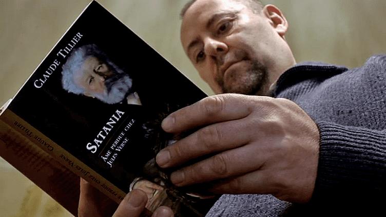 """""""Satania, âme perdue chez Jules Verne"""" le nouveau roman de Claude Tillier  (France3/Culturebox)"""