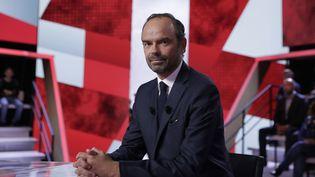 """Le Premier ministre, Edouard Philippe, sur le plateau de """"L'Emission politique"""" de France 2, le 28 septembre 2017. (THOMAS SAMSON / AFP)"""