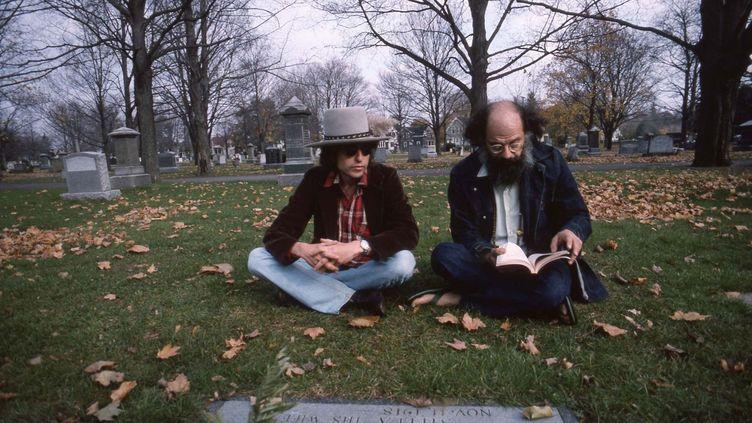Bob Dylan et Allen Ginsberg au mitan des années 70, dans le documentaire de Martin Scorsese Rolling Thunder Revue : A Bob Dylan Story by Martin Scorsese. (NETFLIX)