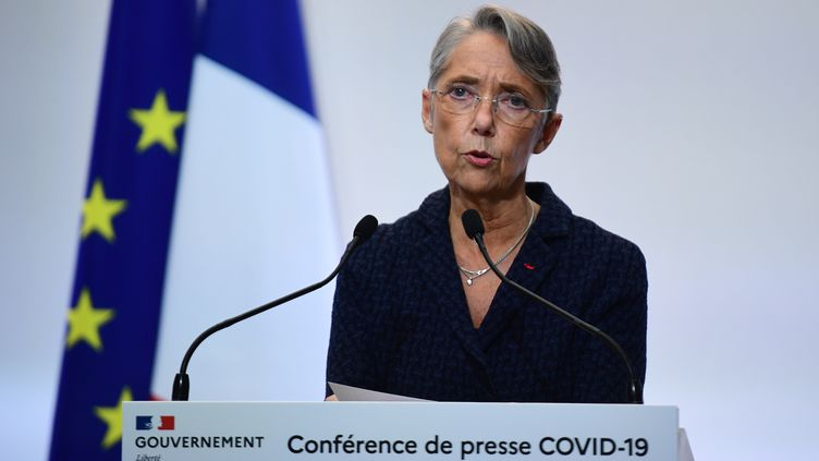 Élisabeth Borne, la ministre du Travail, lors du point de situation du gouvernement sur le Covid-19, le 4 février 2021. (MARTIN BUREAU / AFP)