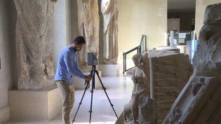 Avec une caméra 360 degrés, chaque détail du Palais du Tau est enregistré en haute-définition. (France 3 Champagne-Ardenne)