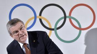 Le président du Comité olympique international, Thomas Bach, lors d'une conférence de presse à Lausanne (Suisse), le 2 mars 2016. (FABRICE COFFRINI / AFP)