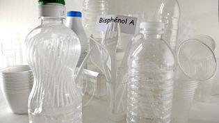Le bisphénol A, présent dans de nombreuxplastiques alimentaires, est reconnu comme étant un perturbateur endocrinien. (FLORENCE DURAND / SIPA)