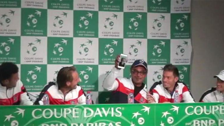 Gaël Monfils a fait irruption de manière inattendue en conférence de presse d'après-match, via le téléphone de Yannick Noah
