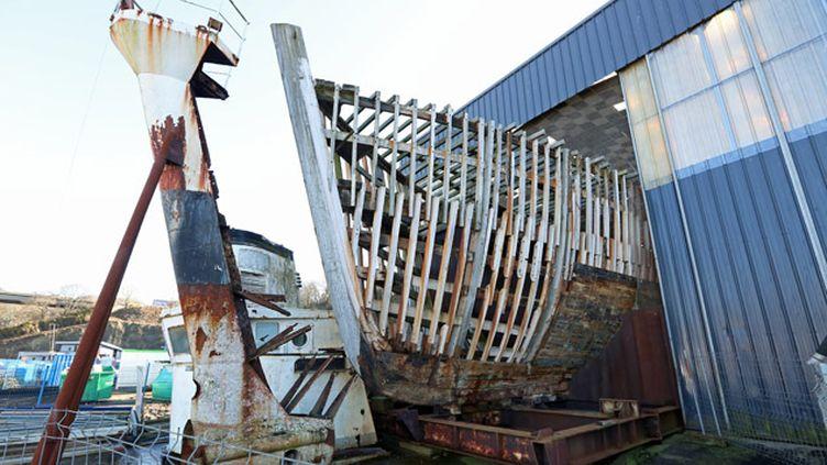 (La Calypso aux chantiers Piriou qui l'hébergent à Concarneau © Maxppp)