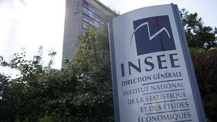 Le bâtiment qui abrite Institut national de la statistique et des études économiques (Insee), à Paris, en mai 2015. (THOMAS SAMSON / AFP)