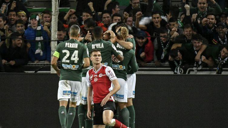 La joie des Stéphanois, vainqueurs du Stade de Reims. (JEFF PACHOUD / AFP)