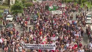 Enseignement : des manifestations partout en France pour défendre les langues régionales (France 2)