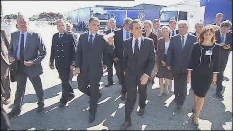 Nicolas Sarkozy en visite dans une entreprise de transport routier près de Saint-Etienne (France2)