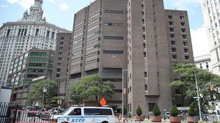 Le Centre correctionnel de Manhattan, où Jeffrey Epstein a été retrouvé mort, à New-York aux Etats-Unis, le 10 août 2019 (ATILGAN OZDIL / ANADOLU AGENCY)