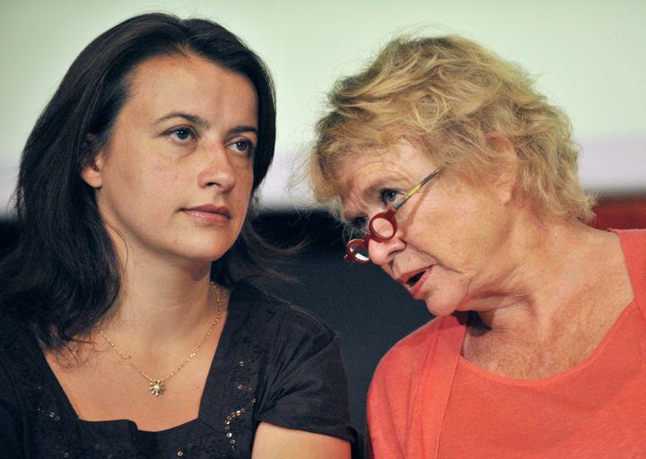 Cécile Duflot et Eva Joly lors des Journées d'été d'EELV à Clermont-Ferrand, le 18 août 2011. (THIERRY ZOCCOLAN / AFP PHOTO)