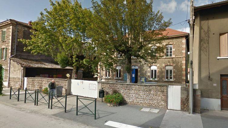 Un aide-éducateur stagiaire a menacé des élèves de primaire avec un couteau, lundi 22 juin 2015, à Champier (Isère). ( GOOGLE MAPS)