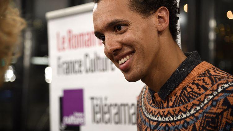 Gaël Faye, lors de la remise du Prix du roman des édudiants France Culture, à Paris, le 17 janvier 2017. (RADIO FRANCE / CHRISTOPHE ABRAMOWITZ)