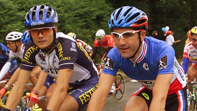 Virenque et Jalabert, le 12 juillet 1998, lors de la première étape du Tour de France. (PASCAL PAVANI / AFP)