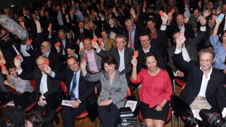 De gauche à droite: François Hollande, Martine Aubry, Ségolène Royal lors d'un conseil national du PS à Paris le 9-4-11 (AFP - MIGUEL MEDINA)