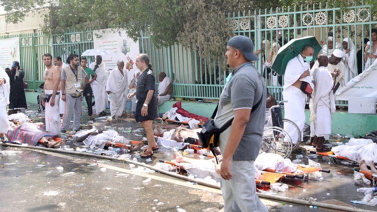 Des corps des victimes du mouvement de foule survenu pendant le hadj, alignés près de La Mecque (Arabie saoudite), le 24 septembre 2015. (REUTERS)