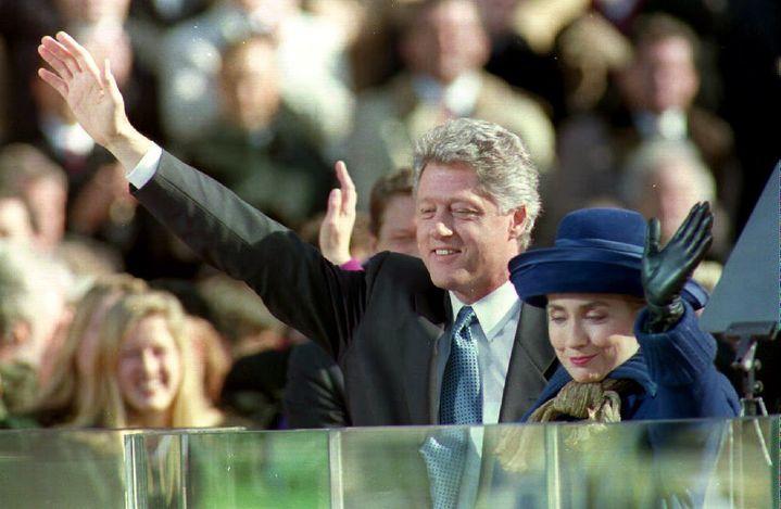 Lors de sa première cérémonie d'investiture à Washington (Etats-Unis),le 20 janvier 1993, Bill Clinton avait 46 ans. Il reste le troisième plus jeune président à avoir étéélu à la Maison Blanche. (AFP)