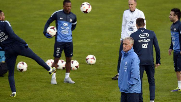 Le sélectionneur de l'équipe de France Didier Deschamps durant un entraînement des Bleus