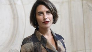 "Alessandra Sublet, animatrice du nouveau jeu de TF1 ""Duos Mystères"". (PATRICK KOVARIK / AFP)"