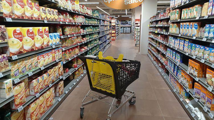 Dans un supermarché à Bourgoin-Jallieu (Isère), le 13 octobre 2018. (ALLILI MOURAD / SIPA)