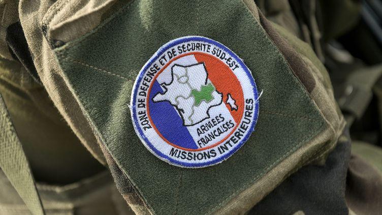 Ecusson militaire de l'opération Sentinelle (image d'illustration). (MAXIME JEGAT / MAXPPP)