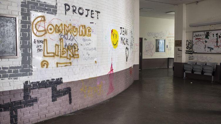 Dans les couloirs de Tolbiac, à Paris, le 16 avril 2018. (YANN CASTANIER / HANS LUCAS / AFP)