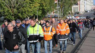 Des salariés d'Alstom manifestent à Belfort (Territoire de Belfort), le 4 octobre 2016. (MAXPPP)