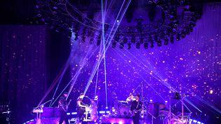 Coldplay joue sur scène en Californie (Etats-Unis) le 14 octobre 2021. (KEVIN WINTER / GETTY IMAGES NORTH AMERICA)