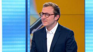 Les salariés et les entreprises ne sont pas satisfaits des formations (France 2)