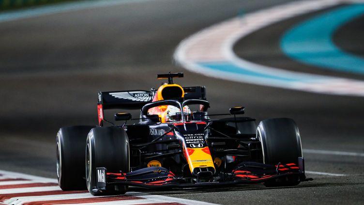 Le Néerlandais Max Verstappen au volant de la Red Bull à Abu Dhabi (ANTONIN VINCENT / ANTONIN VINCENT)