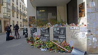 """Le siège de """"Charlie Hebdo"""", rue Nicolas Apert dans le 11e arrondissement de Paris, le 10 avril 2015. (WINFRIED ROTHERMEL / PICTURE ALLIANCE / AFP)"""