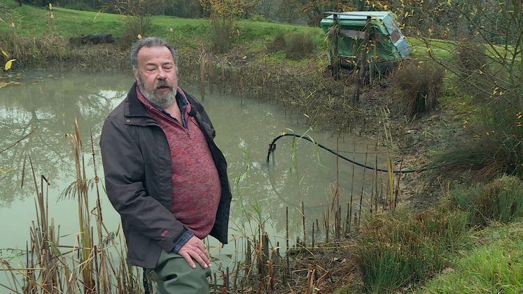 Un coupe d'habitants de la commune de Grignols en Dordogne a été condamné par la justice a vidé sa mare, dont les grenouilles étaient jugées trop bruyantes par les voisins. (France info)