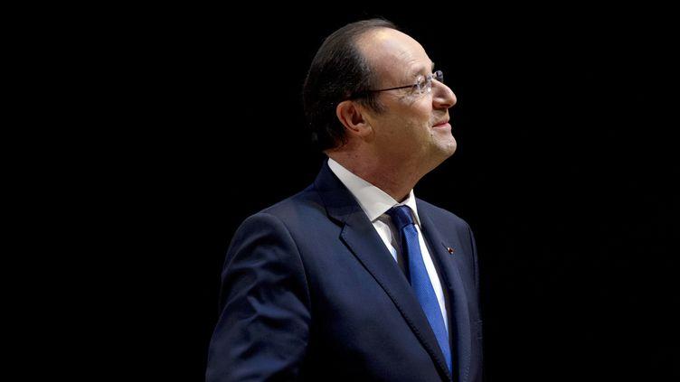 Le président de la République visite une exposition au musée du Louvre, à Paris, le 29 avril 2014. (ALAIN JOCARD / POOL / AFP)