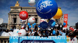 Les professions libérales semobilisent dans les rues de Paris, lundi 16 septembre, contre la réforme des retraites. (THOMAS SAMSON / AFP)