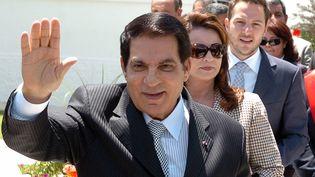 L'ancien président tunisien déchu, Zine El Abidine Ben Ali, en compagnie de son épouse Leïla Trabelsi et de son gendre Sakher El Materi, en mai 2010, à Tunis. (FETHI BELAID / AFP)