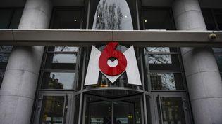 Le siège du groupe de télévision M6, à Neuilly-sur-Seine, près de Paris. (MARTIN BUREAU / AFP)
