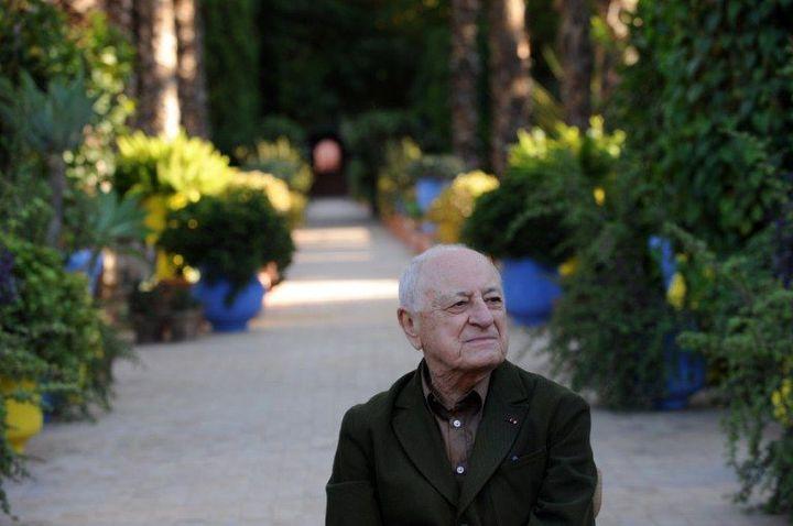 Pierre Bergé dans le jardin Majorelle en 2010  (AFP. A.Senna)
