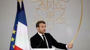 Le président de la République, Emmanuel Macron, présente ses vœux à la presse, le 15 janvier 2020 à l'Elysée. (YOAN VALAT / AFP)
