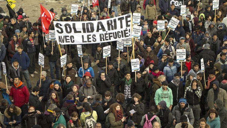 Manifestation en soutien aux migrants de la jungle de Calais, devant le port de Calais, le 23 janvier 2016. (CITIZENSIDE / STANISLAS VERJUS / AFP)