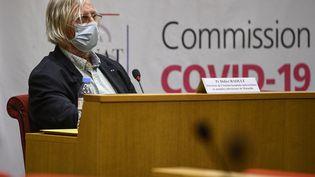 L'infectiologue Didier Raoult lors de son audition par la commission d'enquête du Sénat sur la gestion de la crise du Covid-19, le 15 septembre 2020 à Paris. (CHRISTOPHE ARCHAMBAULT / AFP)
