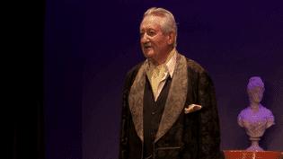 Jacques Sereys interprète Sacha Guitry dans un spectacle qu'il a créé  (France 3 culturebox)