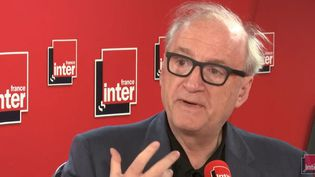 L'ancien ministre des Affaires Etrangères, Hubert Védrine, sur France Inter mercredi 26 décembre 2018. (RADIO FRANCE)