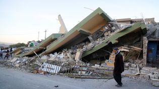 Une maison en ruine après le tremblement de terre qui a touché le nord de l'Irak, le 12 novembre 2017. (YUNUS KELES / ANADOLU AGENCY / AFP)