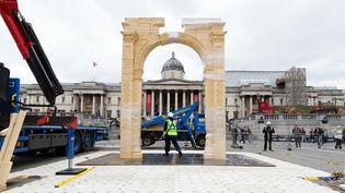 L'Arc de Triomphe de Palmyre reconstitué à Londres, à Trafalgar Square (18 avril 2016)  (Leon Neal / AFP)