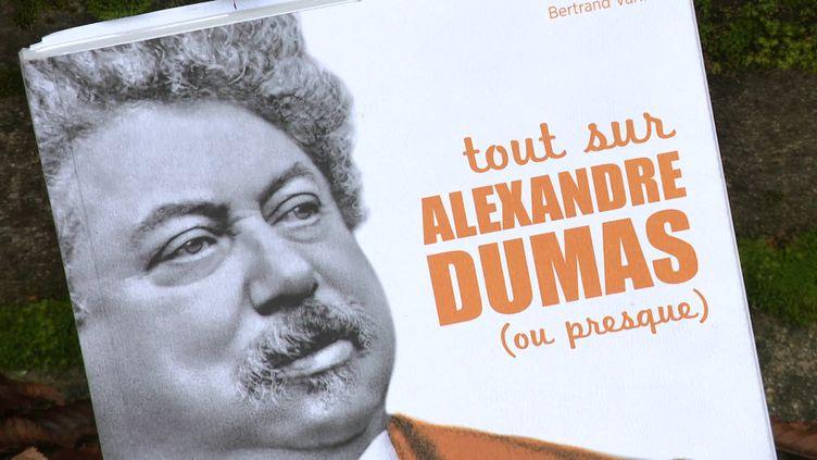 """""""Tout sur Alexandre Dumas (ou presque)"""" est une nouvelle biographie du célèbre auteur français (M. Genevois / France Télévisions)"""