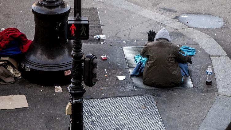 Le nombre de sans domicile fixe a augmenté de 50 % en dix ans, selon la Fondation Abbé Pierre. (VINCENT ISORE / MAXPPP)