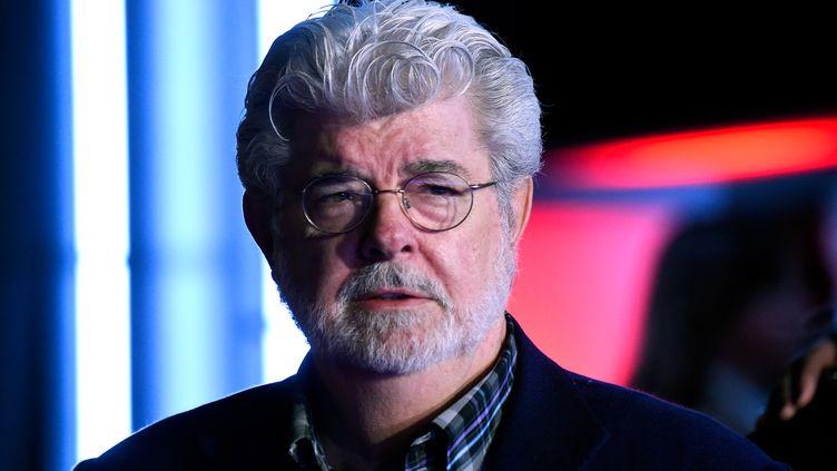 """George Lucas, créateur de """"Star Wars"""", lors de la première du film à Hollywood (Etats-Unis), le 14 décembre 2015. (FRAZER HARRISON / GETTY IMAGES NORTH AMERICA)"""