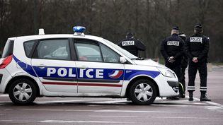 Des agents de police le 3 février 2018 à Vincennes. (MAXPPP)